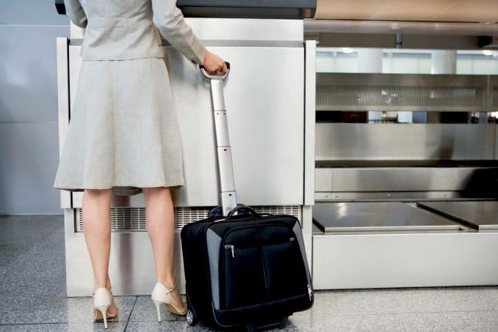 Ինչ անել ինքնաթիռի ավիատոմսը, եթե փոխել եք ձեր անձնագիրը